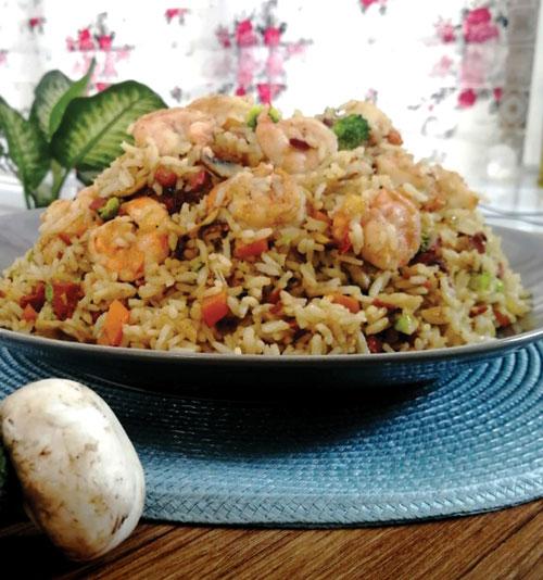 طرز تهیه برنج سرخ شده با میگو